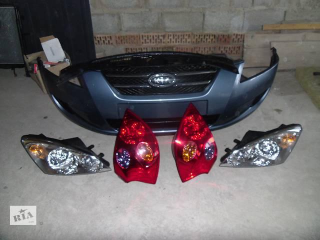 купить бу Б/у фара передняя правая для хэтчбека Kia Ceed 2008 в Коломые