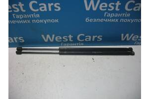 Б/У Fiesta Амортизатор крышки багажника. Вперед за покупками!