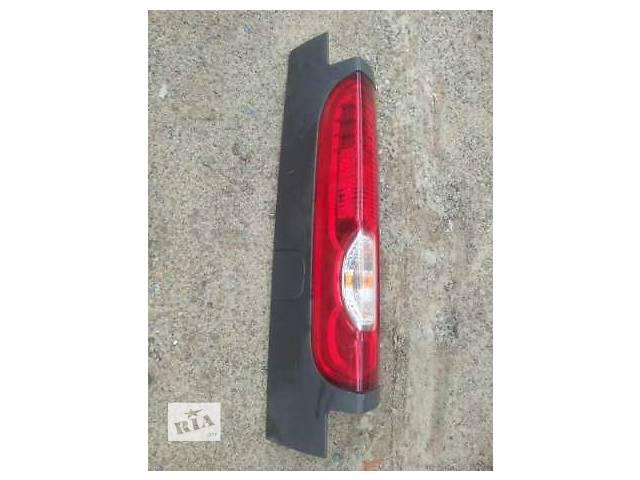 продам Б/у фонарь задний для легкового авто Opel Vivaro бу в Костополе