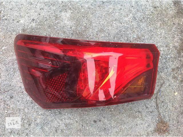 продам Б/у фонарь задний для легкового авто Toyota Avensis бу в Ровно