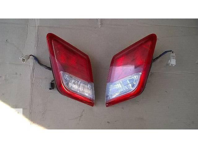купить бу Б/у фонарь задний внутренний для седана Toyota Camry SV 40 2007г в Николаеве