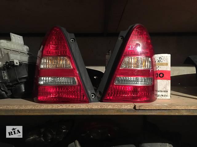 продам Б/у фонари задние для легкового авто Subaru Forester бу в Днепре (Днепропетровск)
