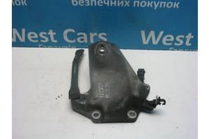 Б/У 2005 - 2012 IS Кронштейн двигателя левый 2.2D. Вперед за покупками!