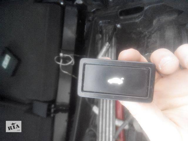 продам Б/у Кнопка открывания багажника для легкового авто бу в Львове
