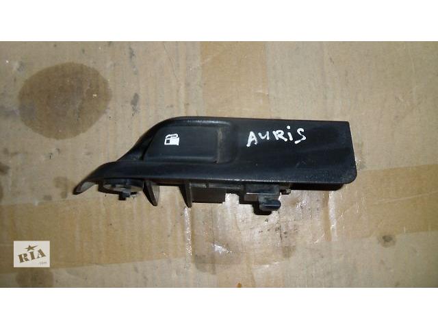 бу Б/у кнопка открывания бензобака для легкового авто Toyota Auris 2009 в Коломые