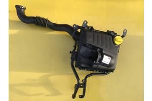 б/у Корпуса воздушного фильтра Opel Vivaro груз.