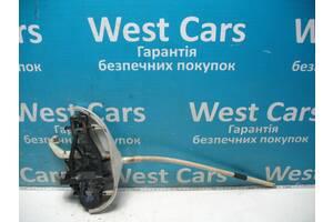 Б/У Кронштейн ручки правой сдвижной двери Caddy 2004 - 2008 2K0843352C. Лучшая цена!