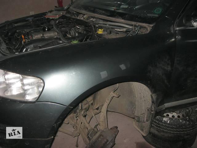 купить бу Б/у крыло переднее Volkswagen Touareg в Ровно