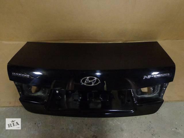 продам Б/у крышка багажника  Hyundai Sonata бу в Киеве
