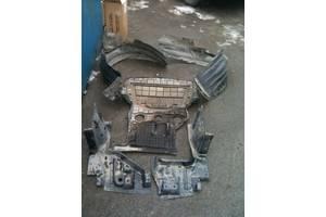 б/у Брызговики и подкрылки Mitsubishi Grandis
