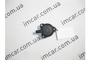 Б/У Mercedes Электромагнит для изменения фаз ГРМ A2761560490