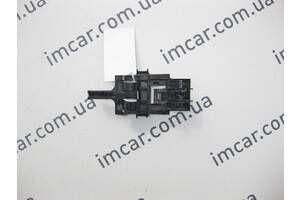 Б/У Mercedes Пластиковый держатель тормозного шланга  на переднем кулаке ML W164 GL X164 A1644210394
