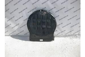 Б/У Mercedes Защита ниши запасного колеса A2216820071