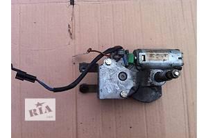 б/у Моторчики стеклоочистителя Opel Tigra