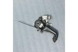 Б/у педаль ручника для Mercedes ML-Class 2005-2011