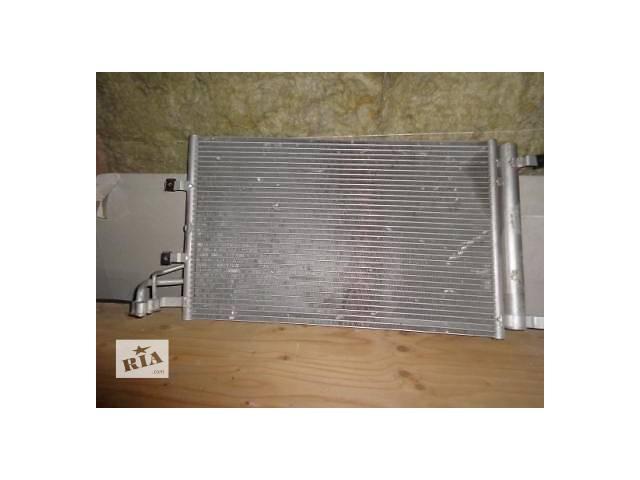 продам Б/у радиатор для легкового авто Kia Cerato бу в Львове