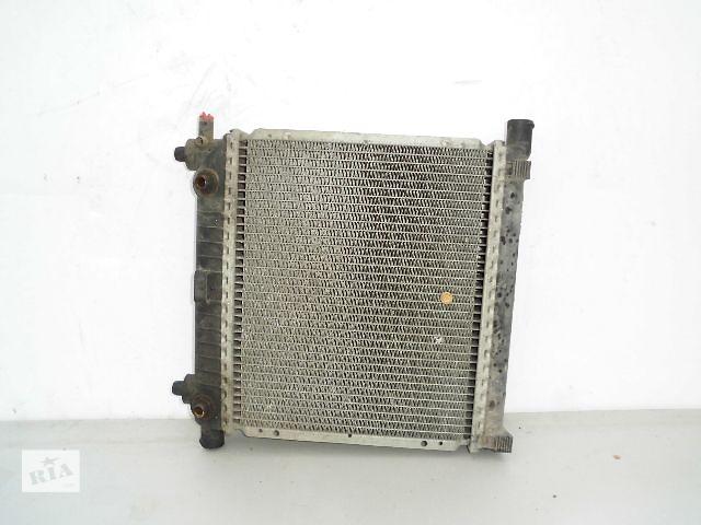 продам Б/у радиатор для легкового авто Mercedes 190 2.0B (370*290) по сотым. бу в Буче (Киевской обл.)