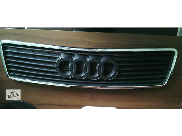 купить бу Б/у решётка радиатора для легкового авто Audi 100 в Самборе
