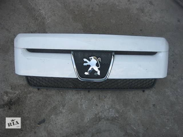 продам Б/у решётка радиатора Peugeot Boxer 2006- бу в Ровно