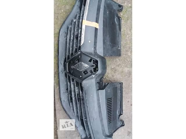 купить бу Б/у решетка радиатора рено логан 15г в Кременчуге