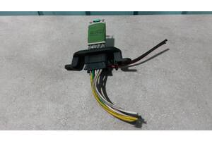 Б/у Резистор, реостат печки  Renault Kangoo  2008- . Mercedes Citan 415  2012- .7701068978, 3R68K 1R71K R41K, A51004200.