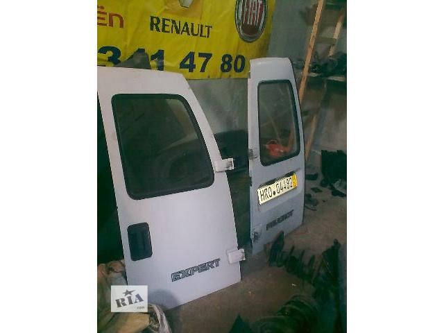 Б/у стекло двери для грузовика Fiat Scudo- объявление о продаже  в Яворове (Львовской обл.)