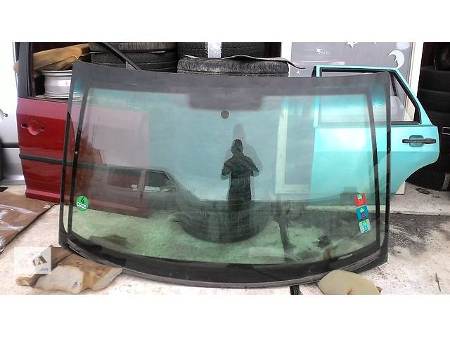 продам Б/у стекло лобовое/ветровое для автобуса Mercedes Sprinter бу в Яворове (Львовской обл.)