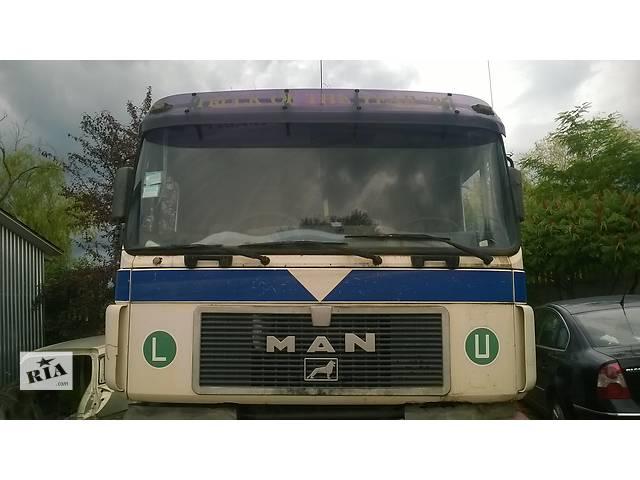 купить бу Б/у стекло лобовое/ветровое для грузовика MAN 19.422 в Ивано-Франковске