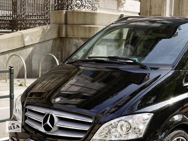 купить бу Б/у стекло лобовое/ветровое для Mercedes Vito 639 viano 2004-14 в Луцке