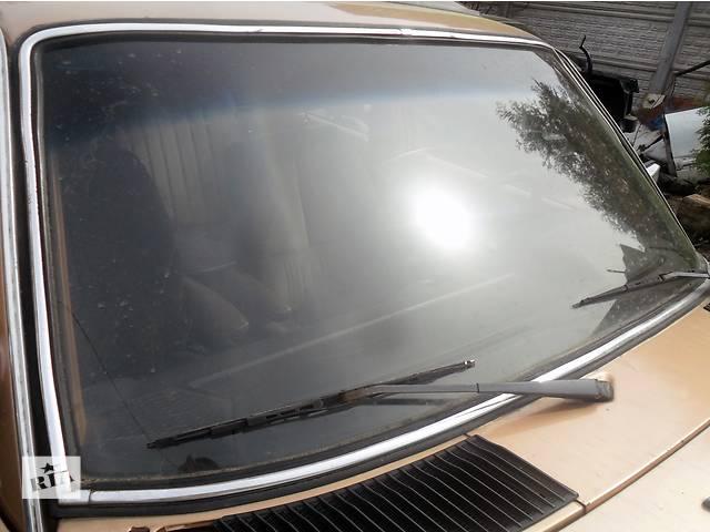 бу Б/у стекло лобовое/ветровое для седана Mercedes 123 в Дубно (Ровенской обл.)
