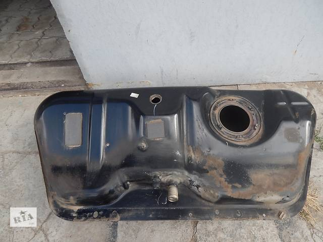 продам Б/у топливный бак для седана Daewoo бу в Запорожье
