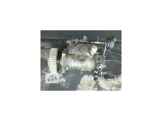 купить бу Б/у топливный насос высокого давления/трубки/шест для легкового авто Renault Kangoo  1.9D  в Луцке