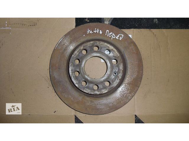 купить бу Б/у тормозной диск передний для легкового авто Volkswagen Jetta 2007 в Коломые