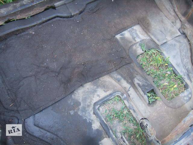 продам Б/у защита под двигатель для легкового авто Mazda CX-7 бу в Ровно