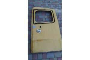 Б/в двері задні праві для Nissan Primastar