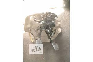 б/у Педали сцепления Renault Kangoo