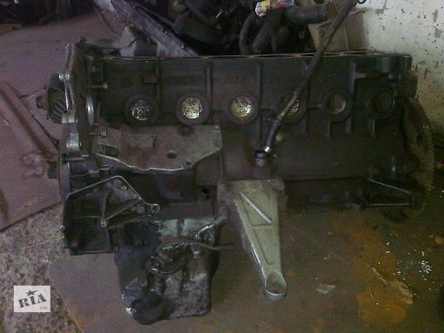 купить бу б/у Деталі двигуна Поршень Легковий Седан BMW 524 в Чопе