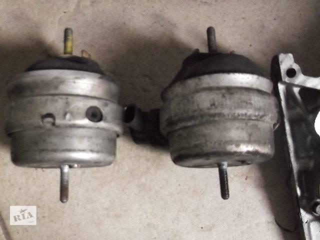 Б/у Детали двигателя Подушка мотора Легковой Audi A4 2003- объявление о продаже  в Львове