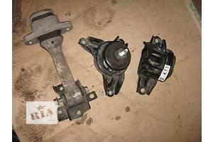 б/у Подушки мотора Hyundai IX35