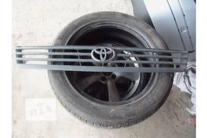 б/у Решётки радиатора Toyota Hiace груз.