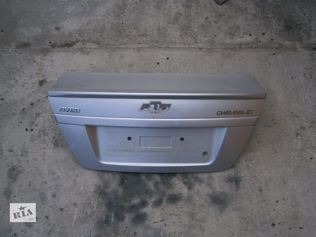продам Б/у крышка багажника для седана Chevrolet Aveo бу в Луцке
