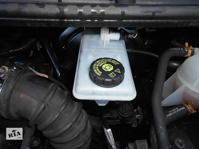 Бачок главного тормозного главного тормозного Opel Vivaro Опель Виваро Виваро Renault Trafic Рено Трафик Трафик Nissa- объявление о продаже  в Ровно