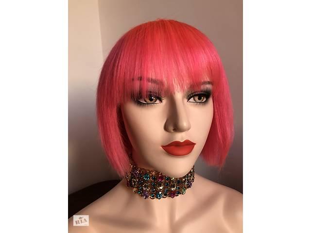 купить бу Натуральне волосся, яскраво рожева перука каре з чубчиком в Києві