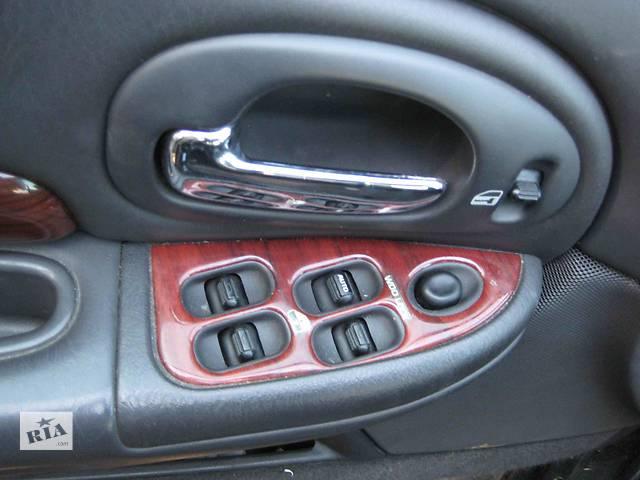 купить бу  Блок управления стеклоподьёмниками для легкового авто Chrysler 300 в Львове