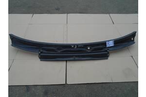 BMW X3 пластик под лобовое стекло 08 в наличии