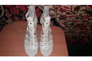 Нові Туфлі Guess