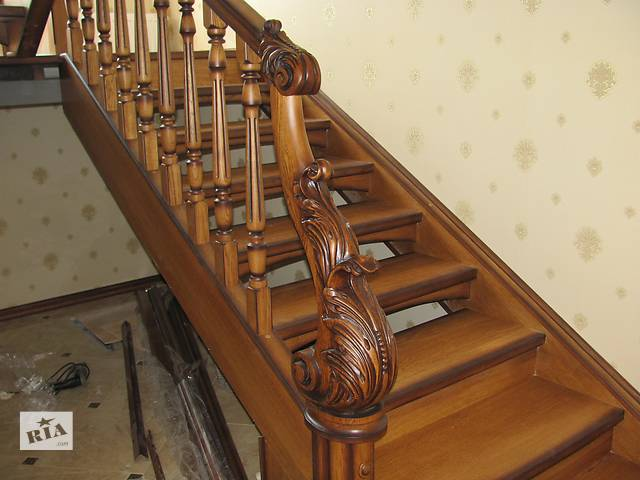 Деревянные лестницы- объявление о продаже   в Украине