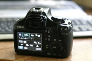 Canon 1100D(Rebel T3) зеркальный фотоаппарат зеркалка фотик