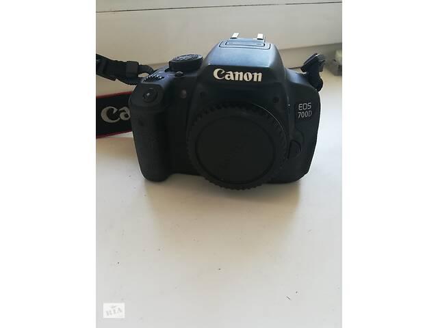 купить бу Canon 700d + объектив 50mm в Киеве