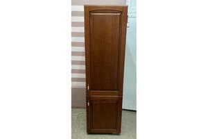 Холодильник вбудований Bosh з дерев'яним фасадом